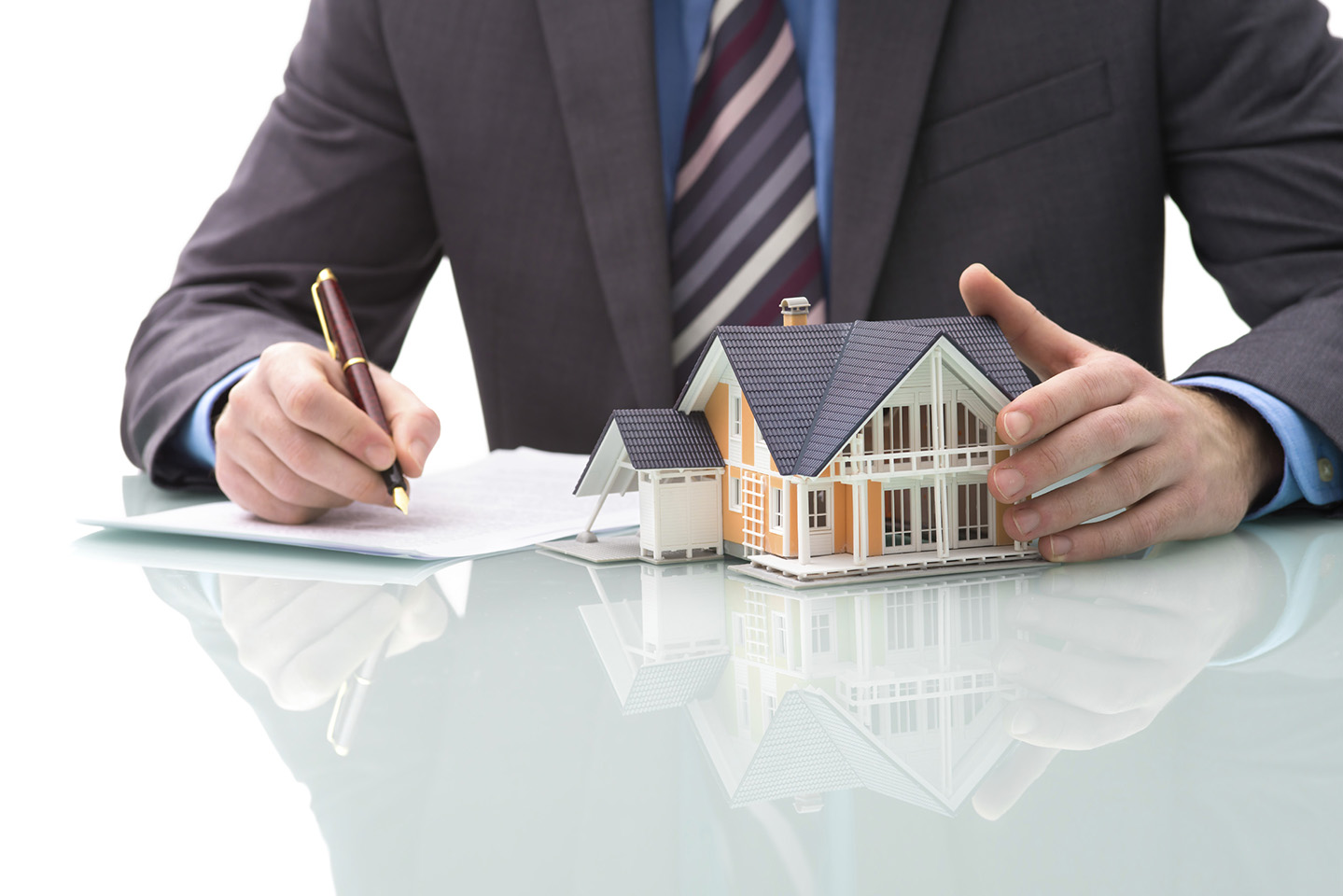 Importance of Selling One's House to Real Estate Cash Buyers